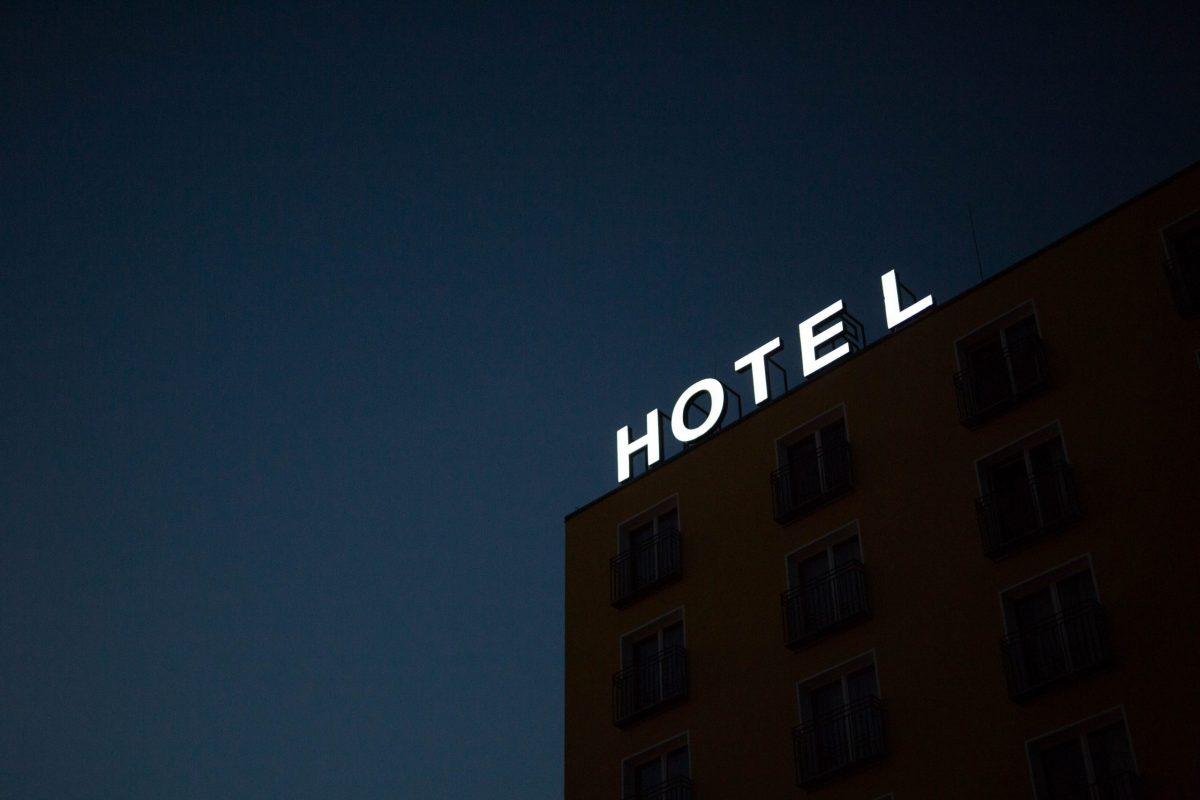 ¿Conviene afiliarse a una cadena hotelera?